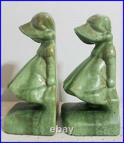 1929 Art Deco Cowan Pottery Ceramic Sunbonnet Girls Bookends #521 Antique Green