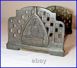 Antique Victorian cast iron expandable figural owl Art Deco bookend book shelf
