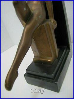 Art Deco Nude Beauty Bookend Decorative Art Statue Leg Out Leaning Back