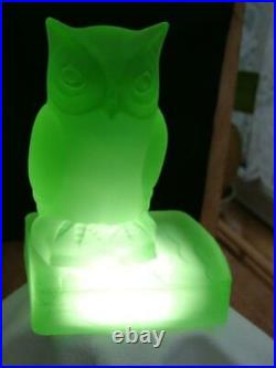 Rare Pair of Bagley Art Deco Uranium/Green Frosted Glass Owl Bookends